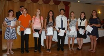 Lauren Scott, Ryan Sugrue, Danielle Whitcher, Alex Pigeon, Jon Soo, Katie Delorey, Alyssa Collins and Caroline Kilduff receive their awards.