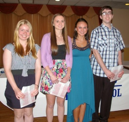 Victoria Pratt, Erin Mulready, Jackie Jordan, and Paul Hanlon receive awards for achieving honor roll for 10 terms