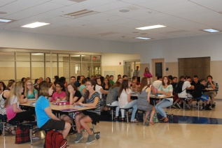 Freshmen gather in mentor groups at their first meeting on September 11.