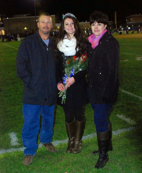 Abigail Kinlin with her parents, Keith and Katie Kinlin. photo by Carolyn McCarthy.