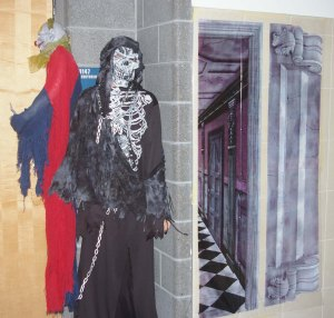 haunted hallway8