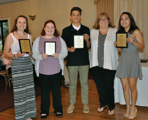 Meredith Long, Gr. 10, Kellie Berry Gr. 10, Francisco Oliveira, Gr. 9 and Luana Lima, Gr. 11 with Ms. Cahill, English Department Head.