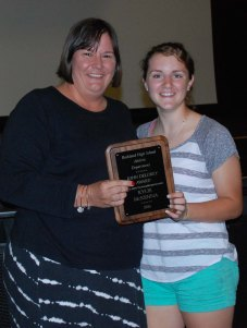 Mrs. McGonnigal presents Kylie McKenna with the JOHN DELOREY AWARD – for a female athlete that exemplifies sportsmanship.