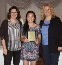 Art Award winner junior Isabelle Uong
