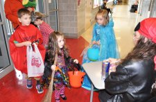 trick or treaters2
