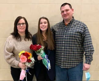 Hannah with her Mom and Dad. A fun fact: Hannah's Mom, Lisa (Armstrong) was crowned Miss Rockland in 1991!